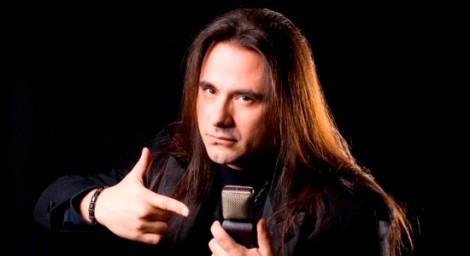 Andre-Matos-é-considerado-um-dos-melhores-vocalistas-de-metal-do-mundo-550x300
